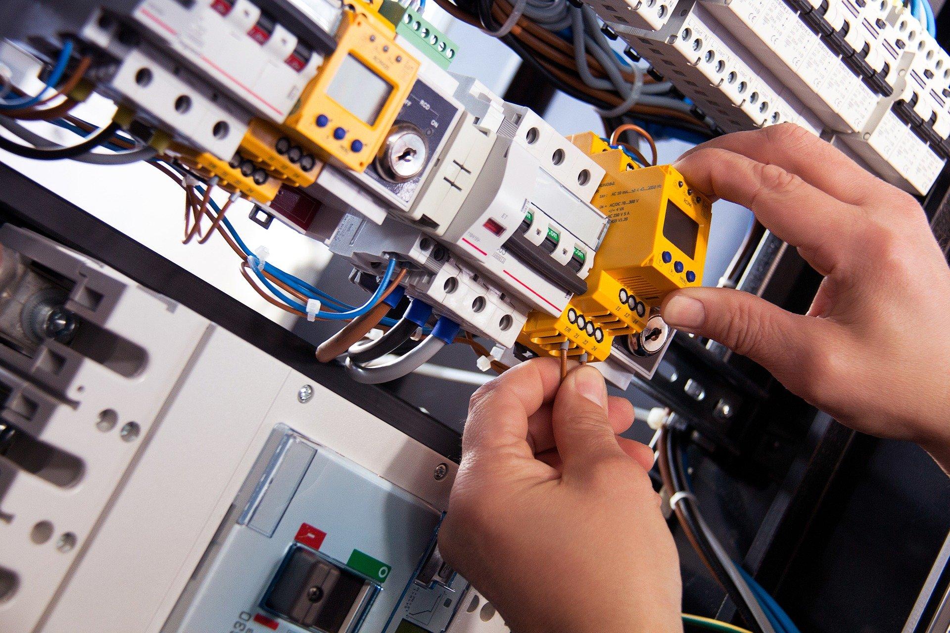 S1 Teknik Elektro